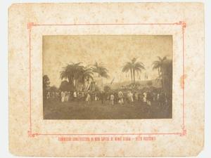 Missa Campal em 07 de setembro de 1895, no Arraial de Belo Horizonte Disponível em: <http://www.comissaoconstrutora.pbh.gov.br/exe_dados_documento.php?intCodigoDoc=CCFot1895 005&strTipo=FOTOGRAFIAS>